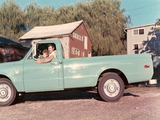 Chaim and Rich Mitlitsky making a delivery (1968)